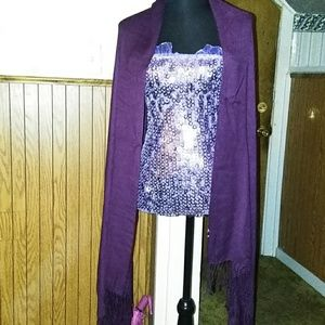 Lots of wraps/scarf's/shawls (3)